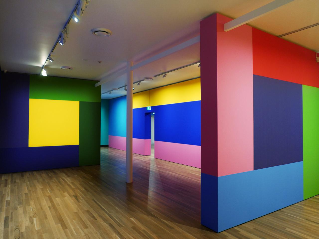 Robert Owen Afterglow Latrobe Reginal Gallery Install 12_LR.jpg