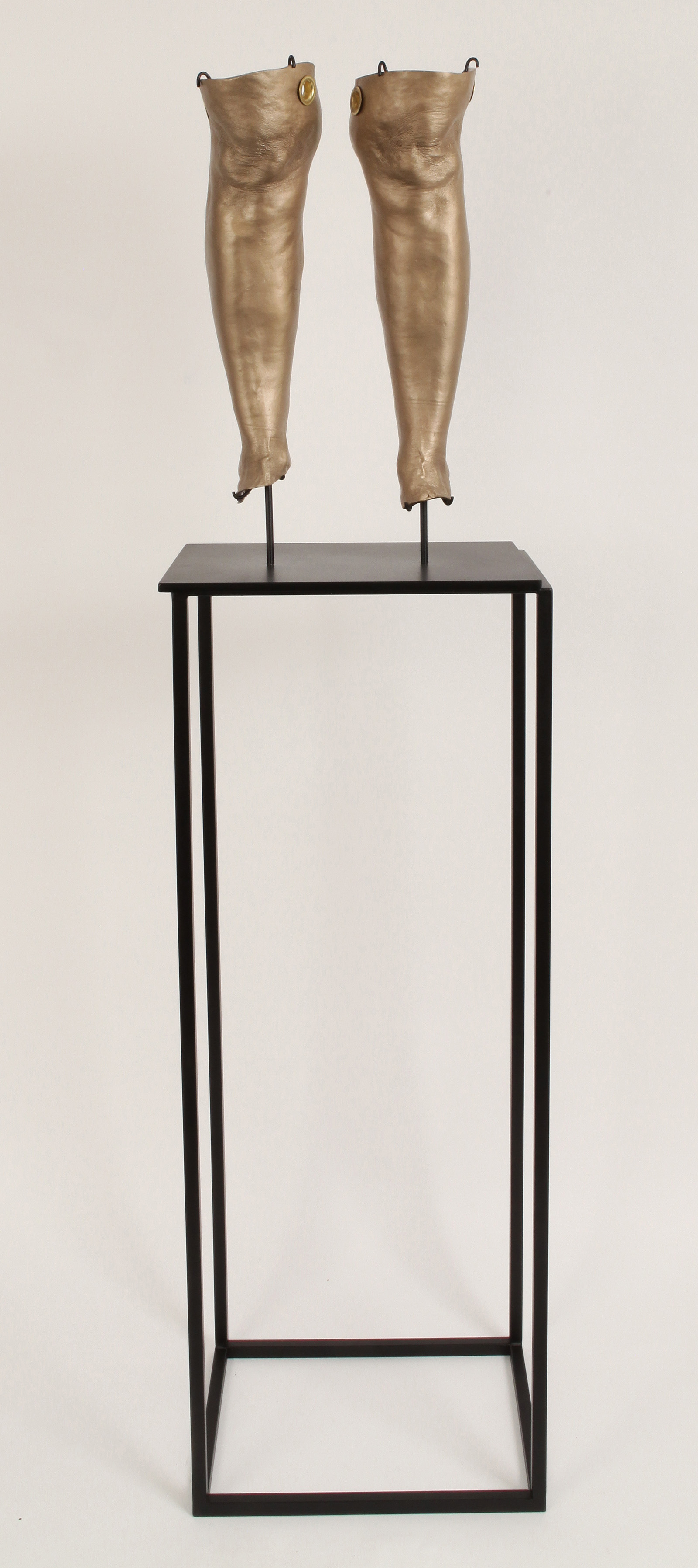 """JULIE RRAP  """"Knee Capped"""" Cleaves , 2019 Bronze and steel, edition of 3   98 x 40 x 28.5 cm"""
