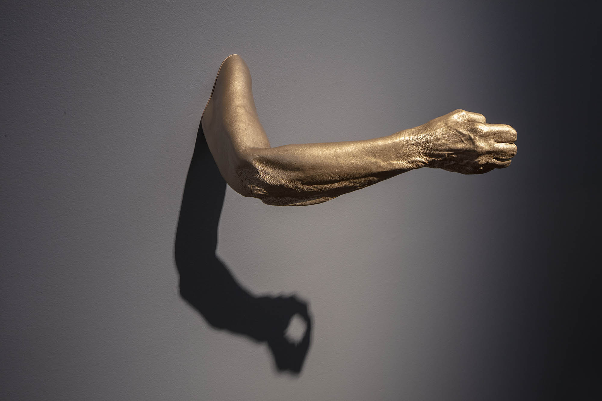 """JULIE RRAP """"At Arm's Length"""" Grip, 2019 Bronze, edition of 3 10 x 28 cm x 53 cm Photograph by John Gollings"""