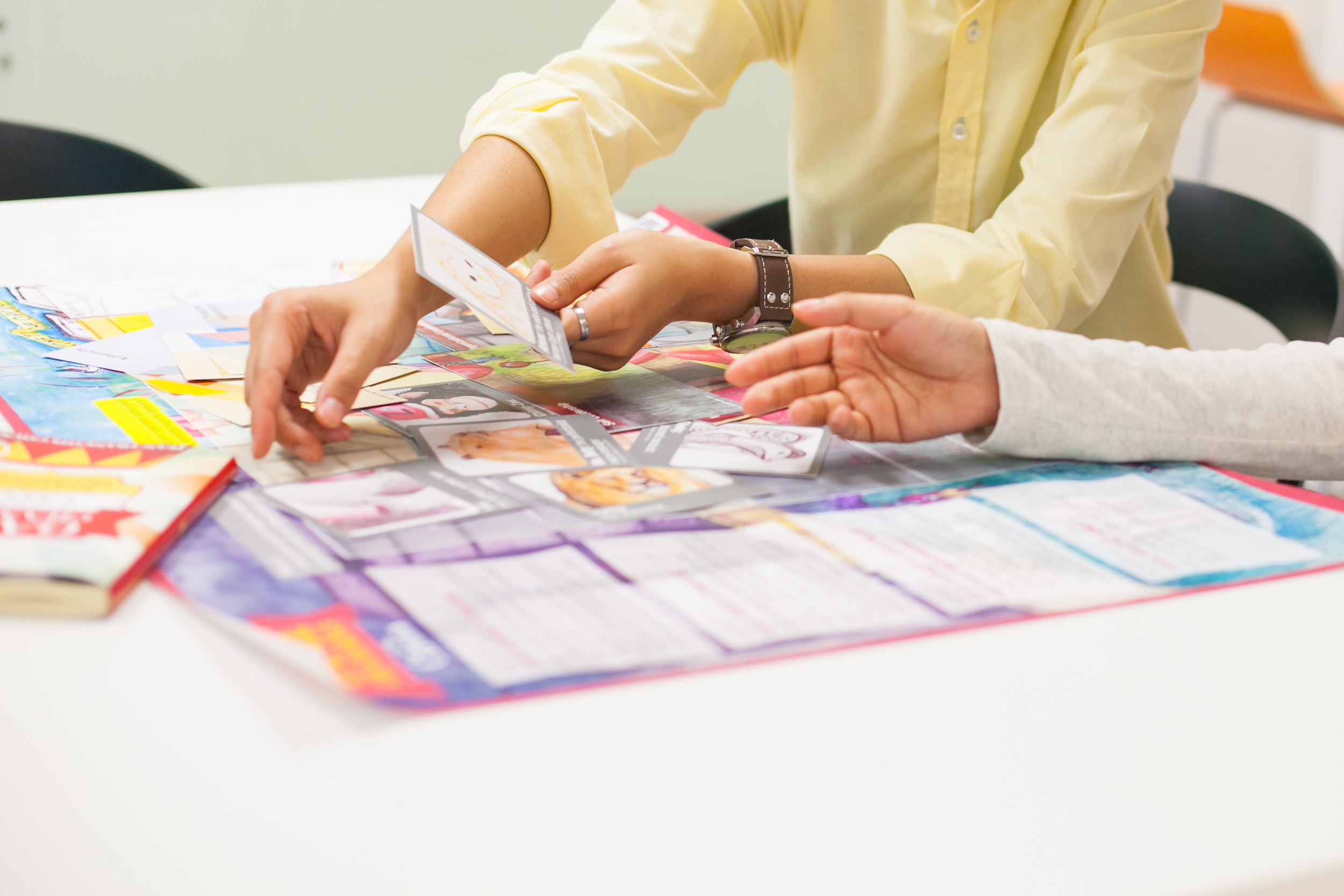 The board game helps leaders immediately apply insights from the book into real-life. It can be 'played' individually or in small teams of leaders.