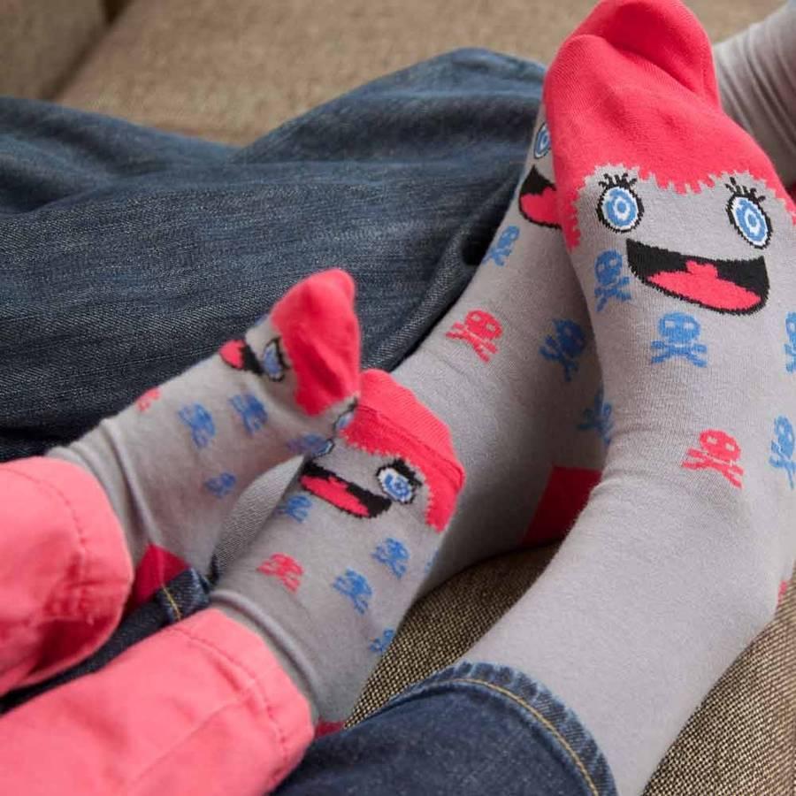 original_mother-and-daughter-character-sock-set.jpg