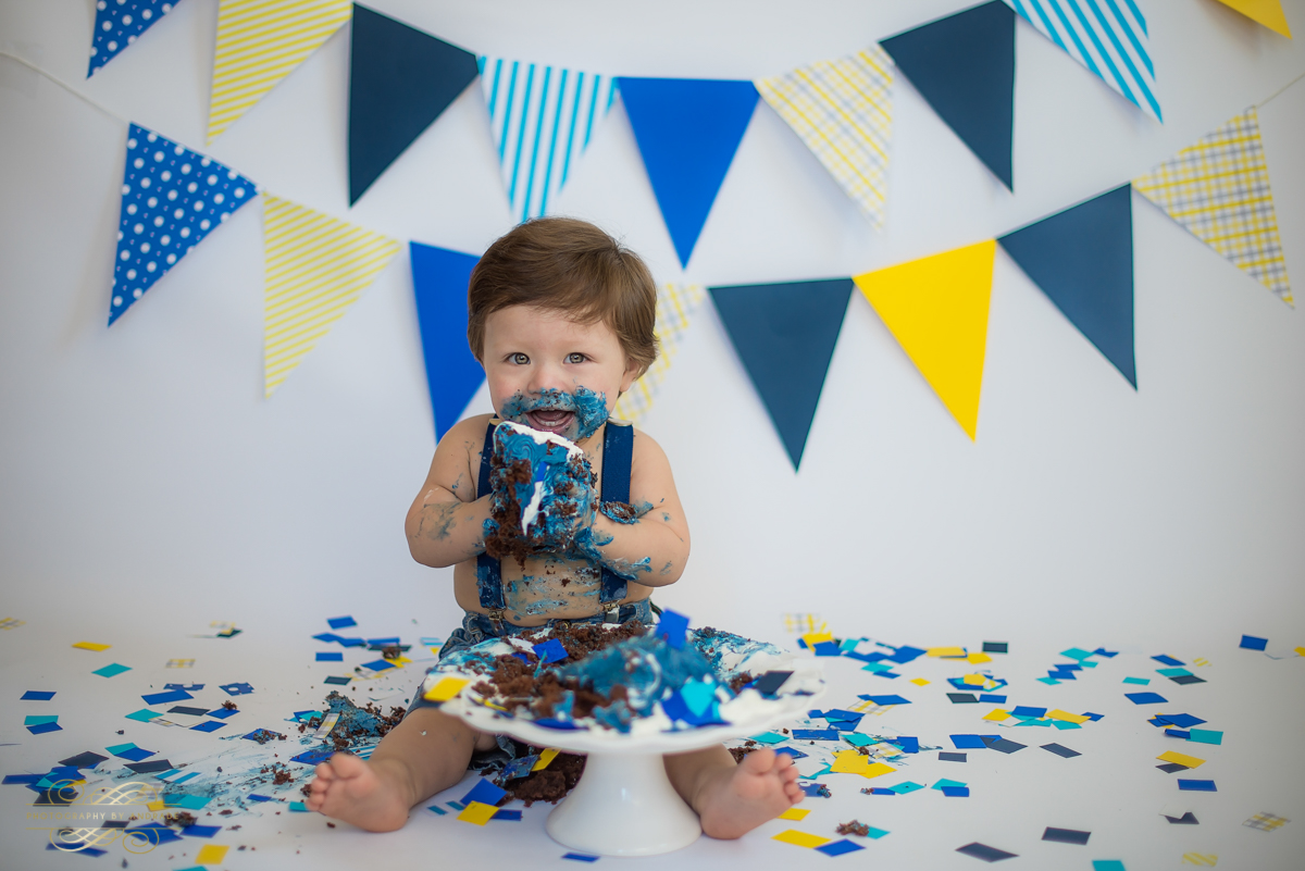 Photography by andrade Chicago Birthday Cake Smash Photography session-26.jpg