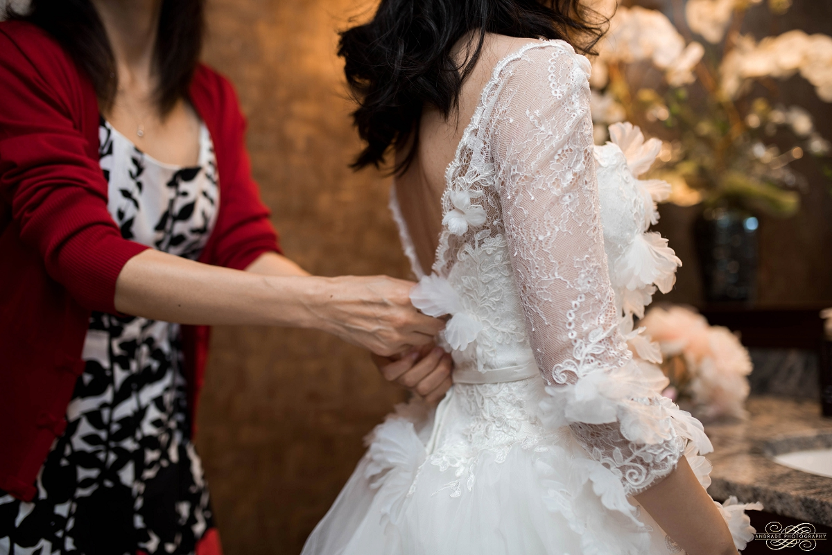 Lindsey + Eric Alpine Banquets Darien Illinois Wedding Photography_0015.jpg