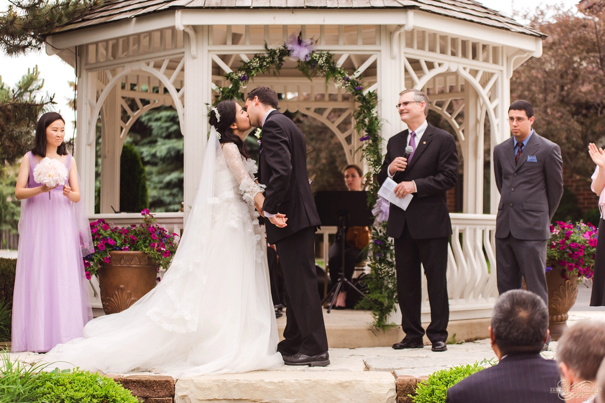Lindsey + Eric Alpine Banquets Darien Illinois Wedding Photography_0031.jpg