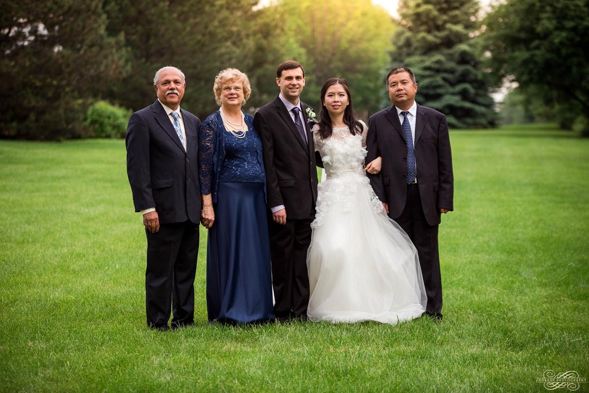 Lindsey + Eric Alpine Banquets Darien Illinois Wedding Photography_0037.jpg