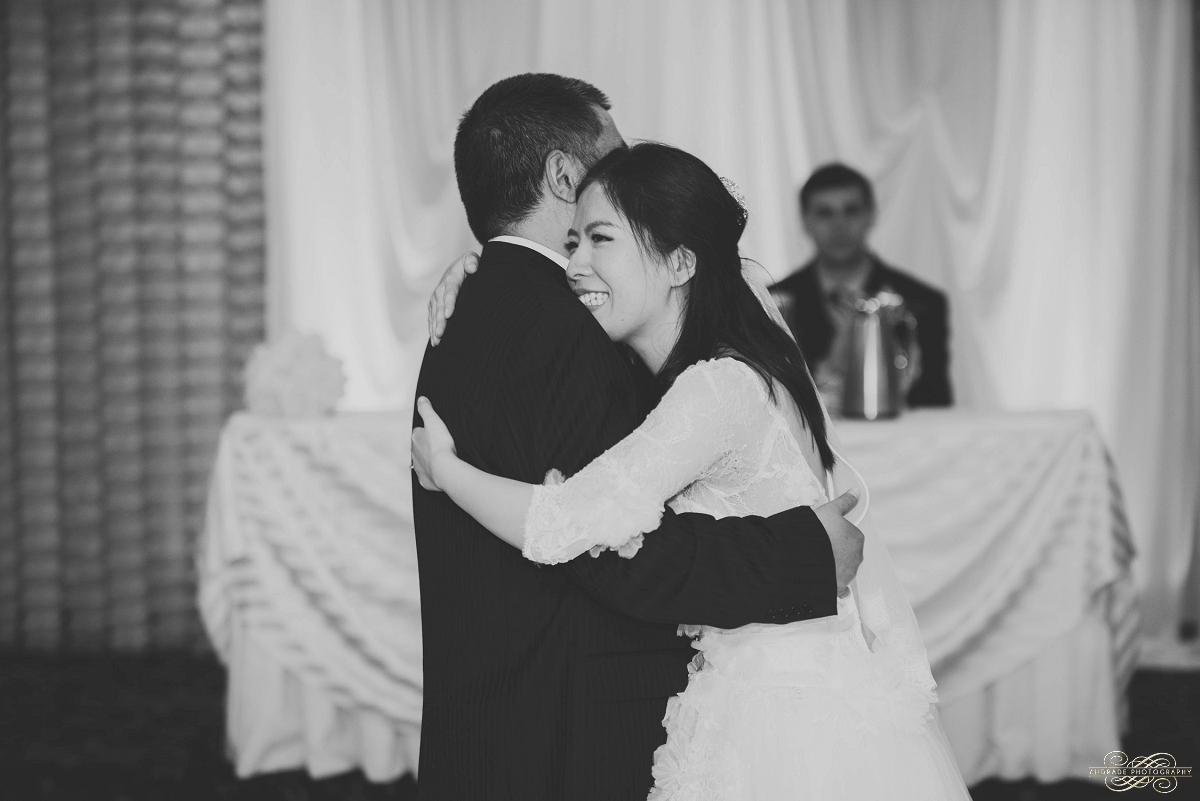 Lindsey + Eric Alpine Banquets Darien Illinois Wedding Photography_0067.jpg