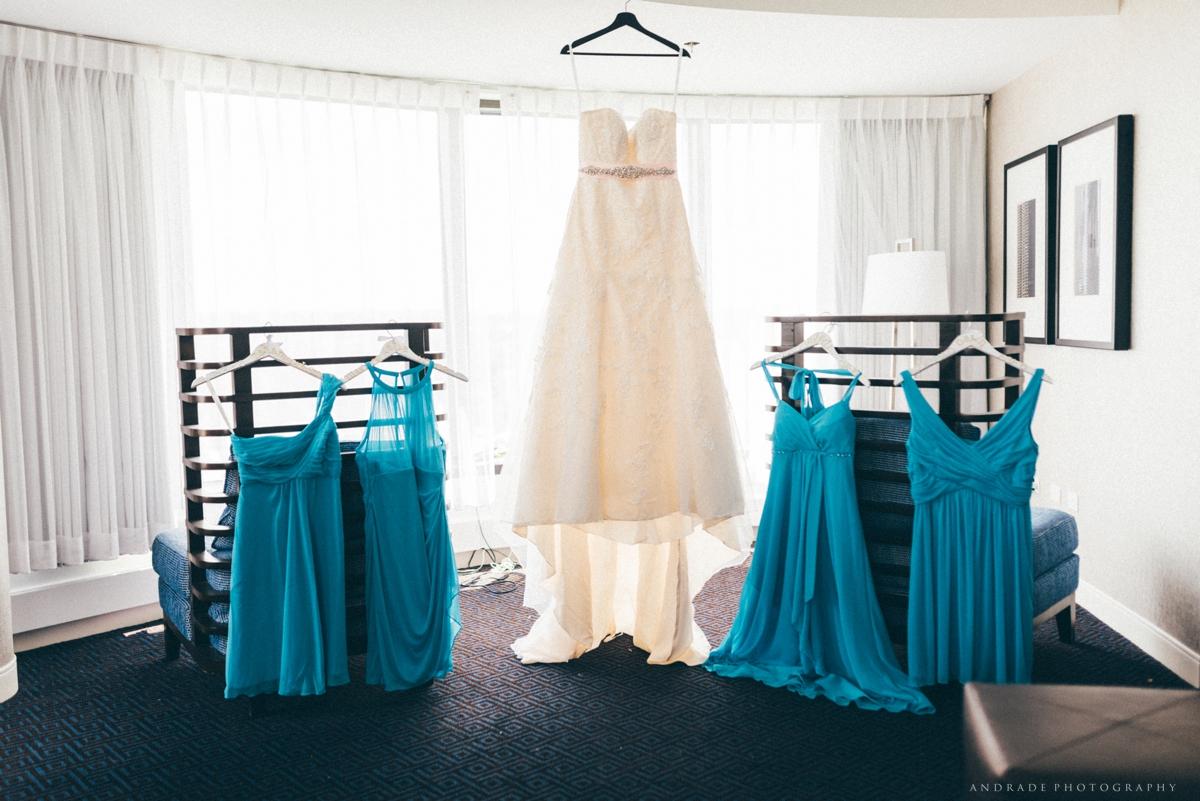 Naperville Wedding Photographer _ Maggianos Little Italy Wedding_0009.jpg