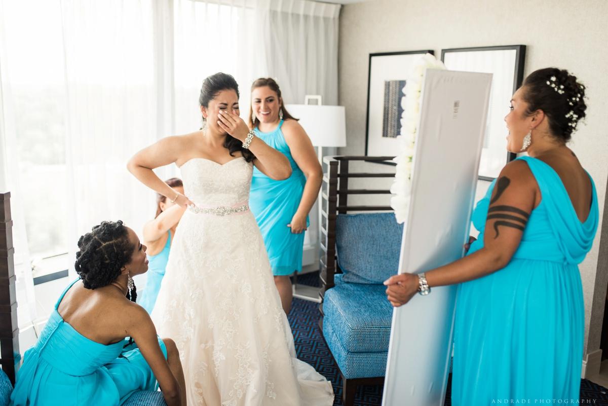 Naperville Wedding Photographer _ Maggianos Little Italy Wedding_0020.jpg