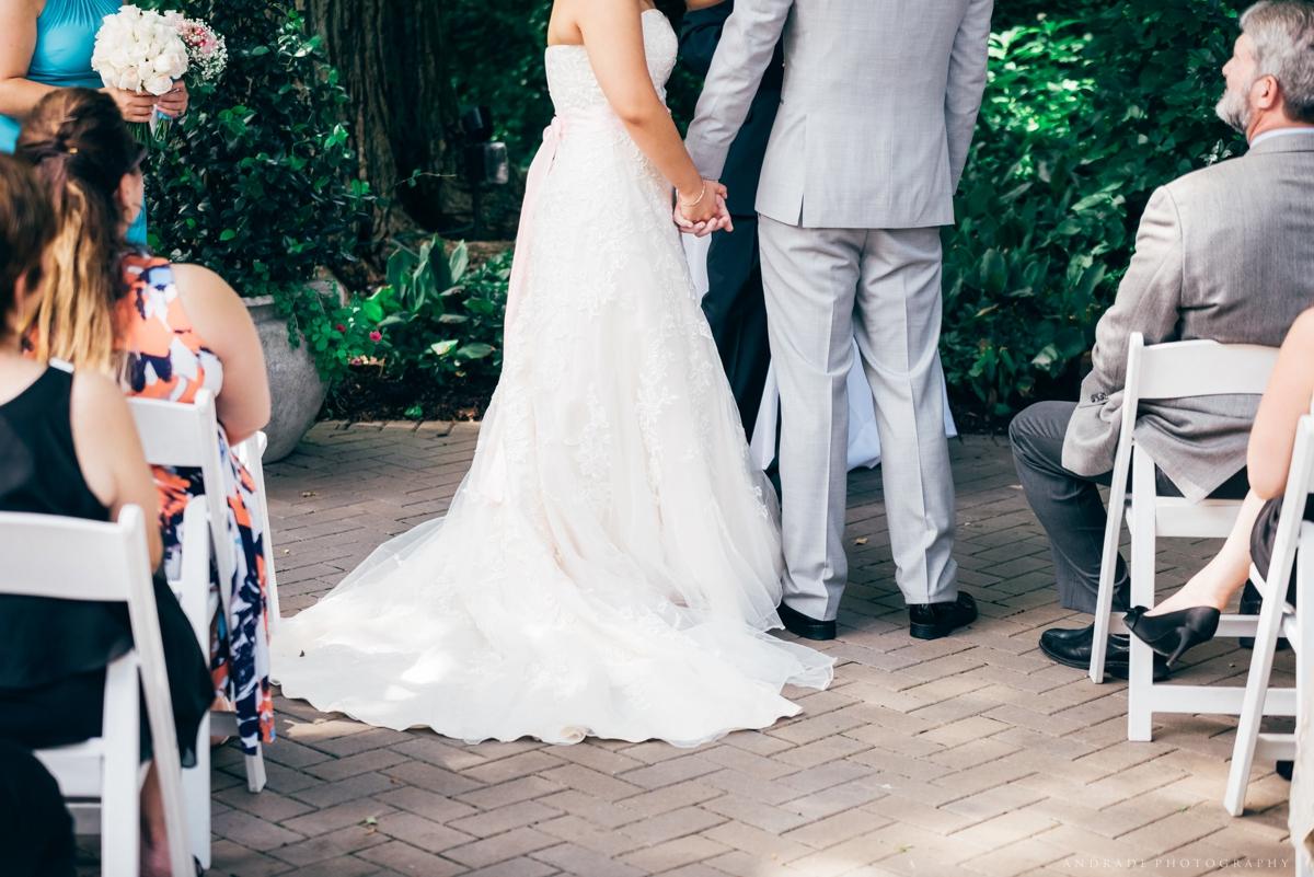 Naperville Wedding Photographer _ Maggianos Little Italy Wedding_0027.jpg