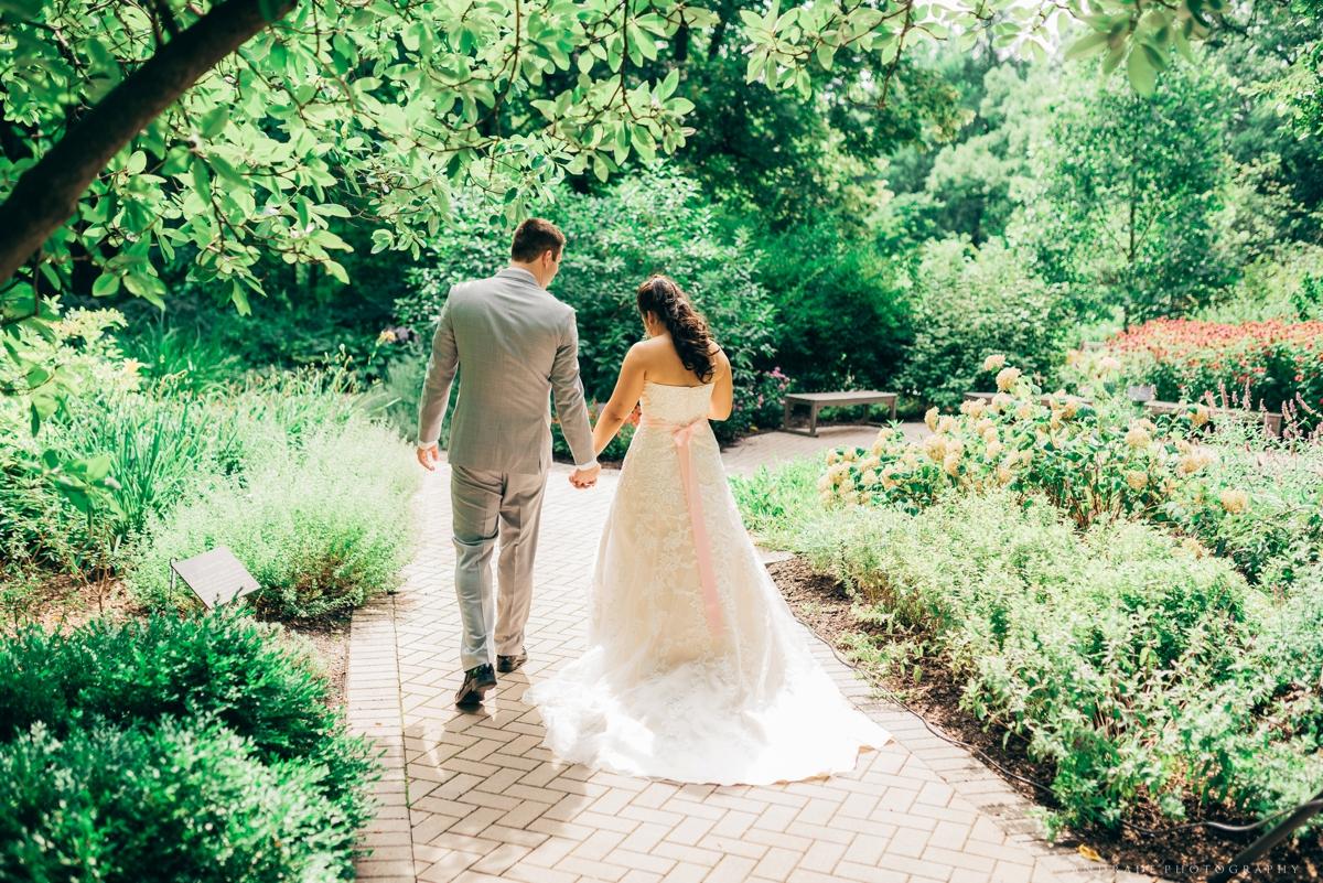 Naperville Wedding Photographer _ Maggianos Little Italy Wedding_0030.jpg