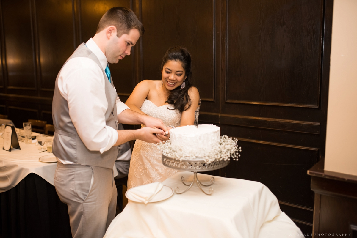 Naperville Wedding Photographer _ Maggianos Little Italy Wedding_0051.jpg