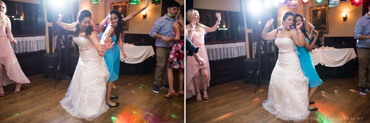 Naperville Wedding Photographer _ Maggianos Little Italy Wedding_0059.jpg