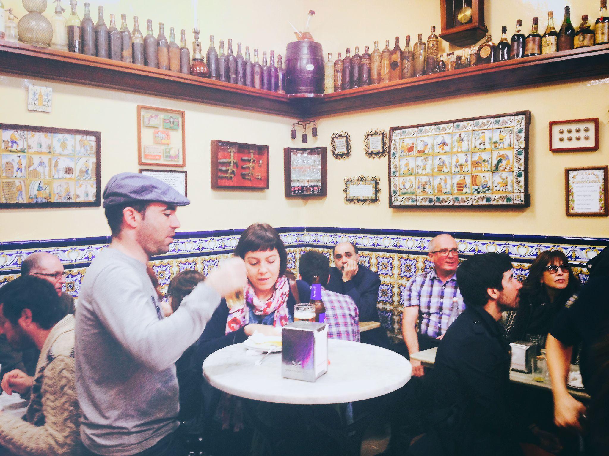 EL XAMPANYET   Great traditional place - tapas & wines -  El Born