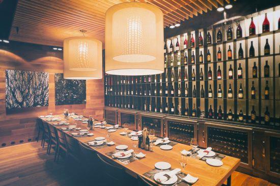 LA VINOTECA TORRES   Exclusive place combining the Torres wines and a delicate cuisine -  Passeig de Gràcia
