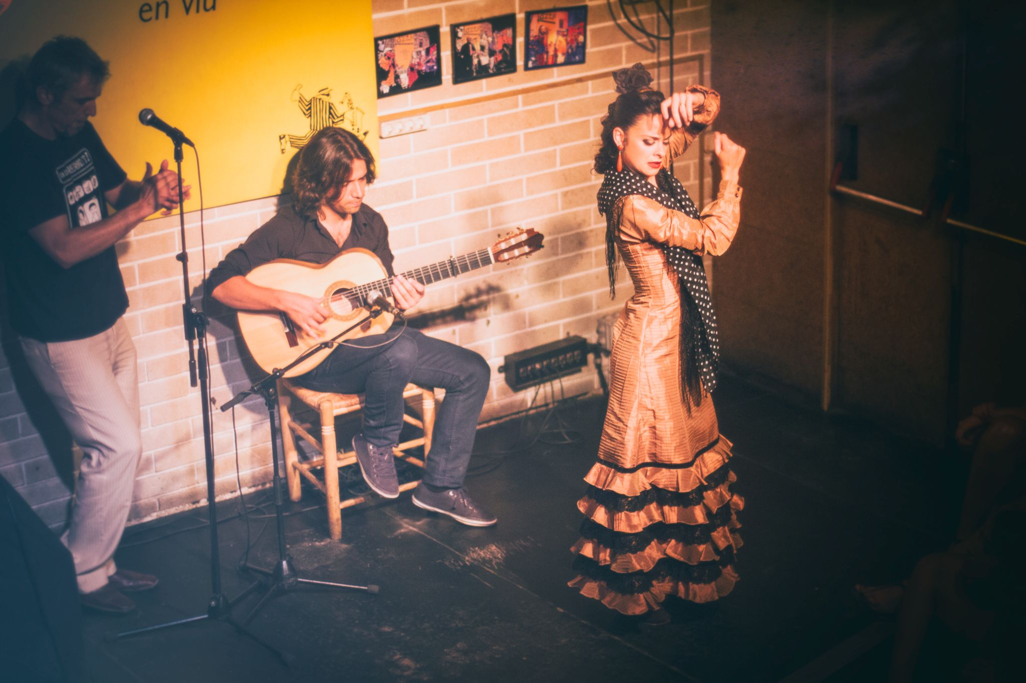 JAZZ SÍ CLUB   The must see and cheap Flamenco show in town   El Raval    Agenda