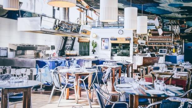 XIRINGUITO ESCRIBÀ   Nice restaurant in front of the sea   Nova Icària Beach