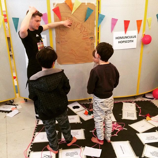 This is movement Matt! Helping hundreds of children #hop #skip and #jump their way through the #homunculushopscotch today at #brainplay. Talking about balance, coordination, gross motor skills, fine motor skills and all thins motor cortex. . . Thank you Matt for volunteering! . . Matt researches #movement at @ucl