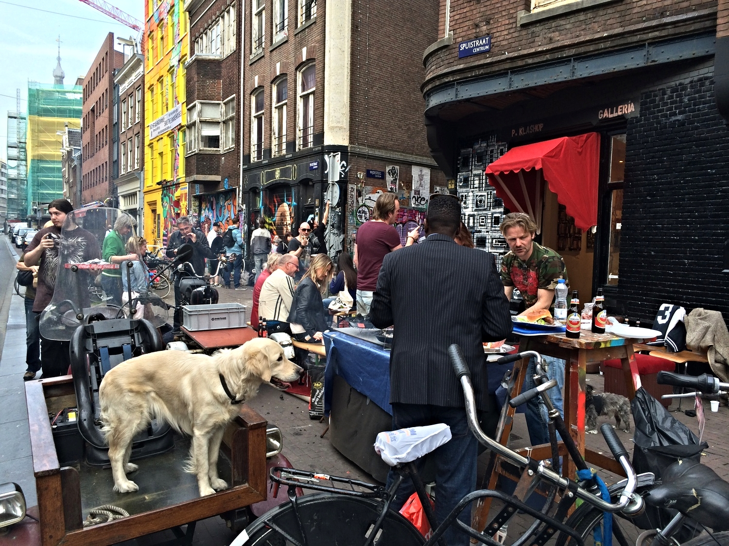A pop-up BBQ on Spuistraat - a great neighbourhood for street art, cafes and quirky shops.