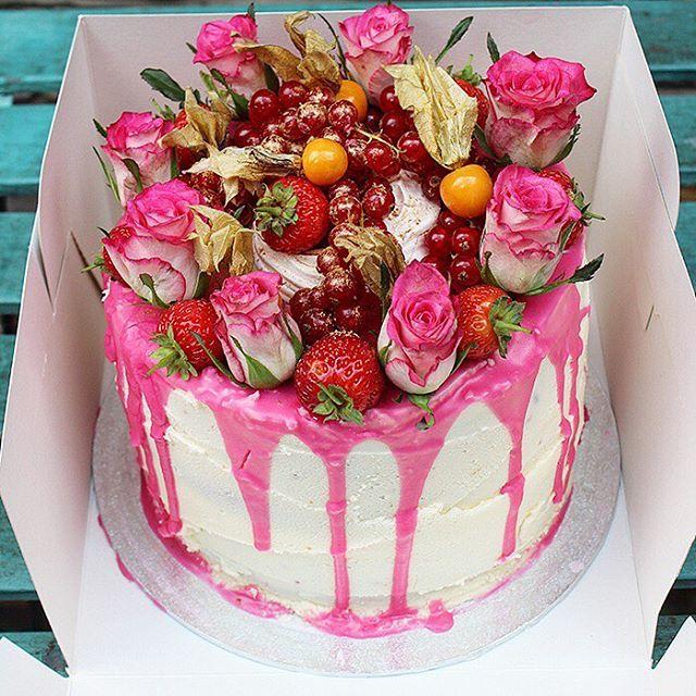 Remember if your having a bad day it's someone's birthday somewhere!  #loveflowers #baker #cake #hautecuisines #f52grams #foodie #huffposttaste #cakestagram #instacake #topfoodnews