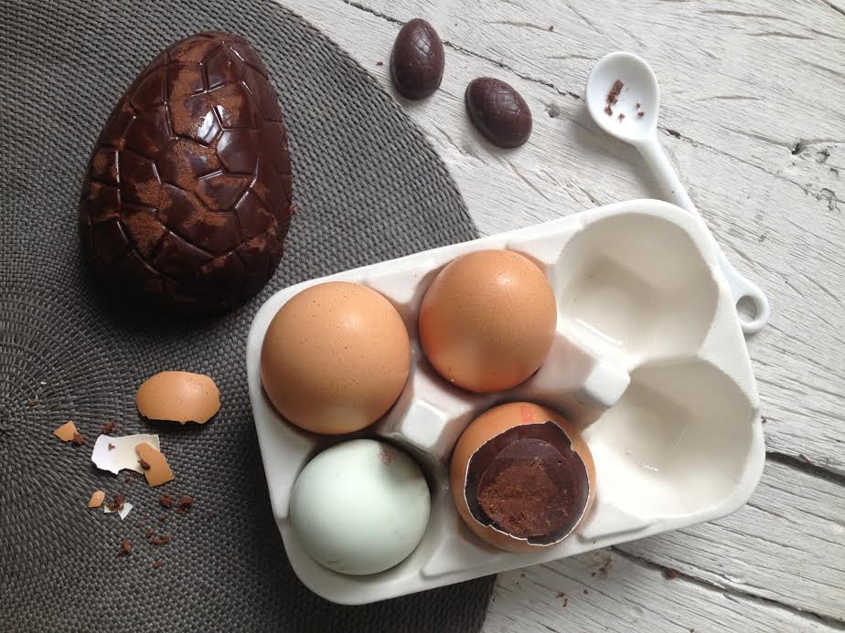 Raw chocolate Easter eggs by Honestly Healthy (c)