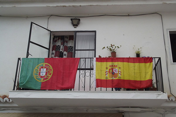 Spain-Portugal-flags-ElliottBrown.jpg