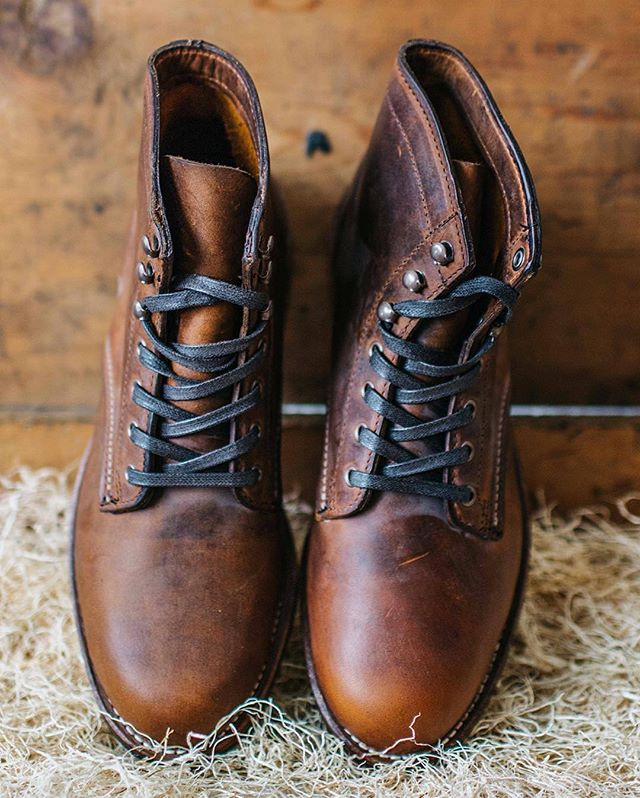 If you haven't, check at my interview blog feature with @wolverine on their blog. Link in profile . #wolverine  #boots #1000mileboots #treadsetters