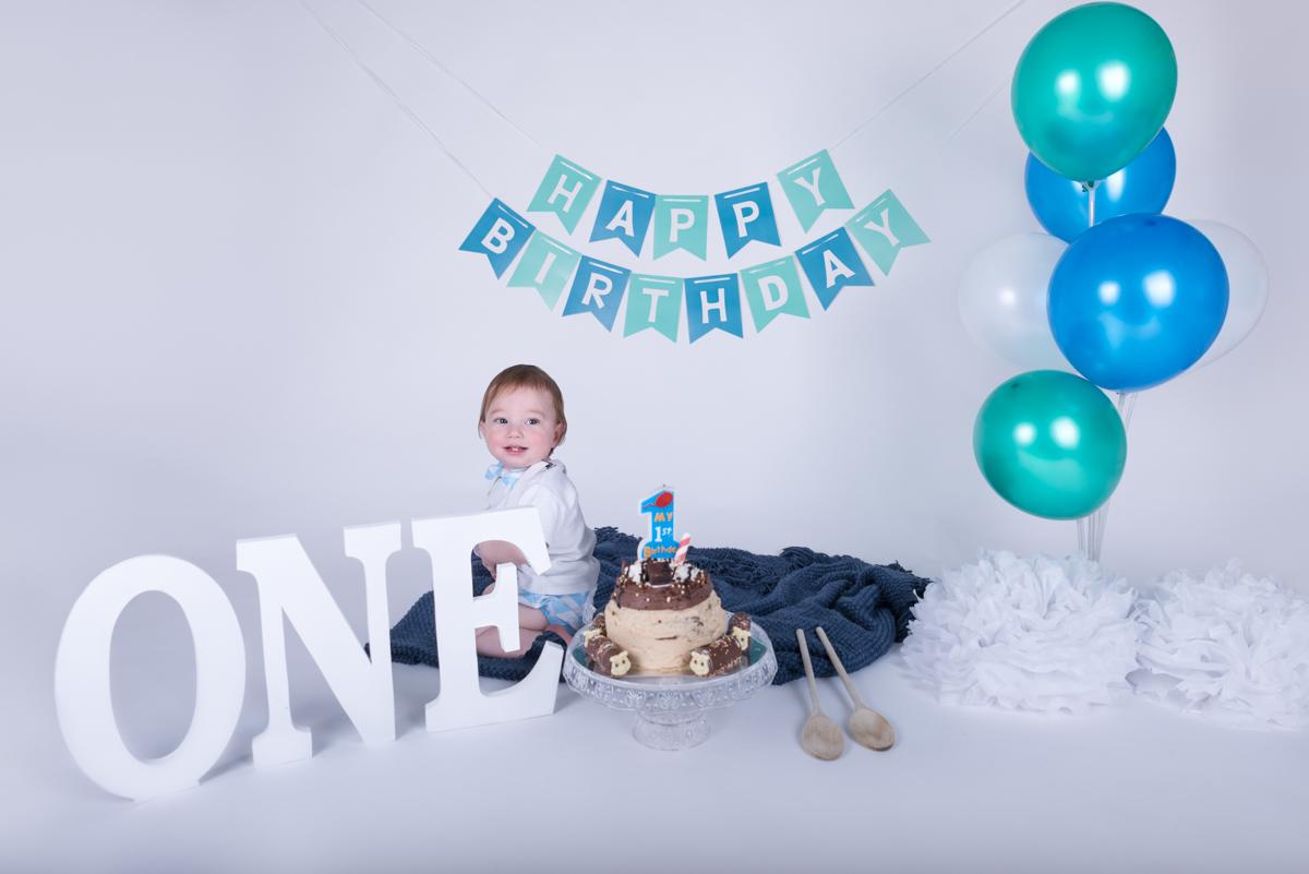 Baby Jack (12 months) Cake Smash-2.jpg