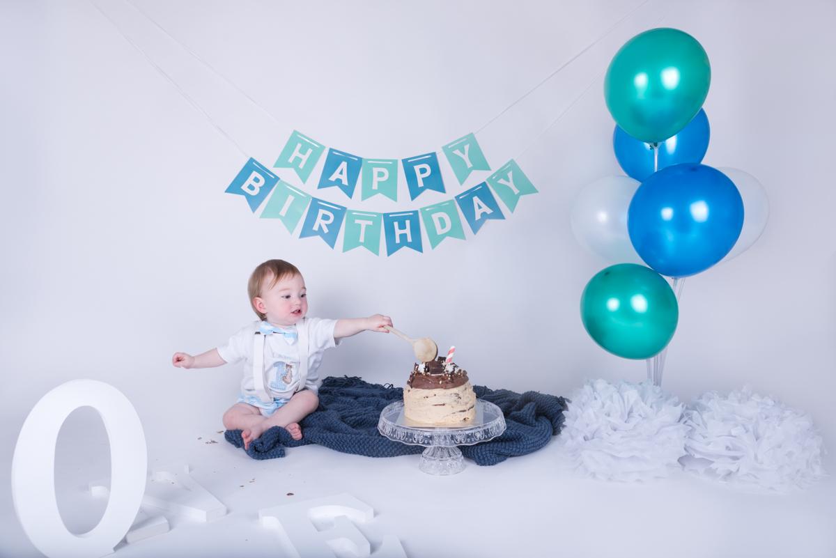 Baby Jack (12 months) Cake Smash-3.jpg