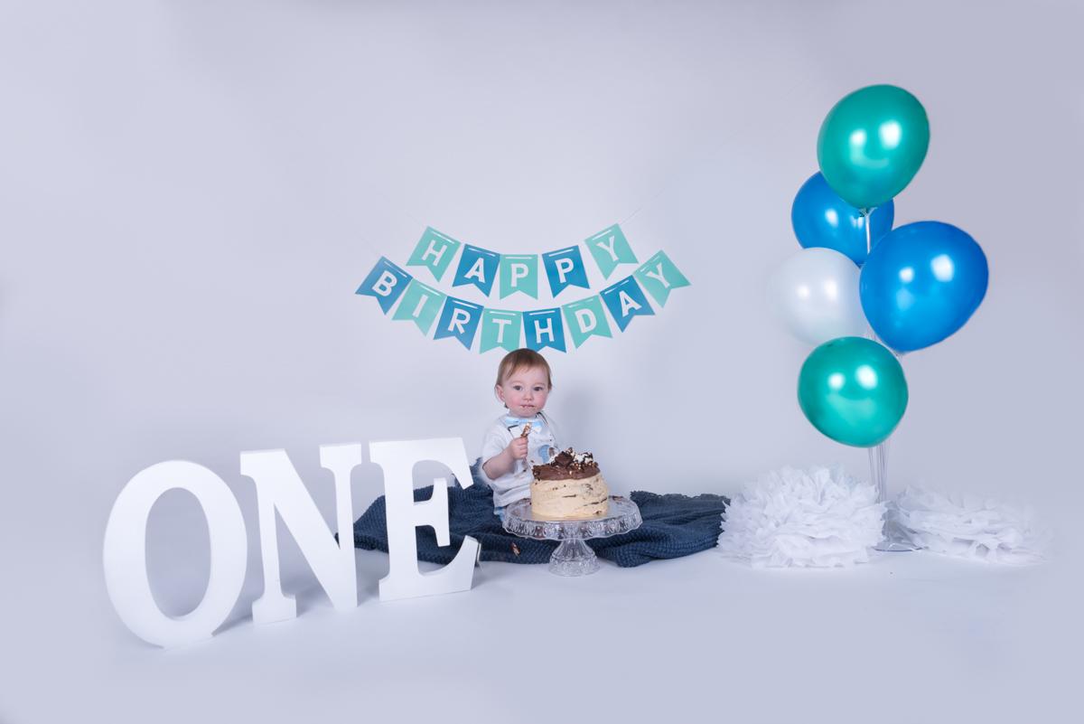 Baby Jack (12 months) Cake Smash-8.jpg