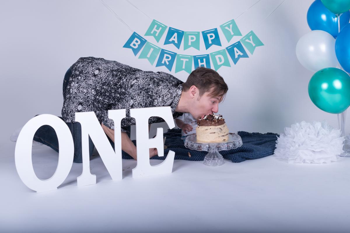 Baby Jack (12 months) Cake Smash-7.jpg