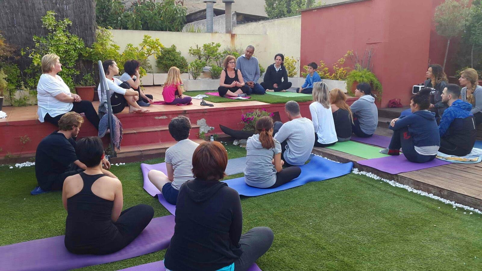 yoga solidario tamaia.jpg