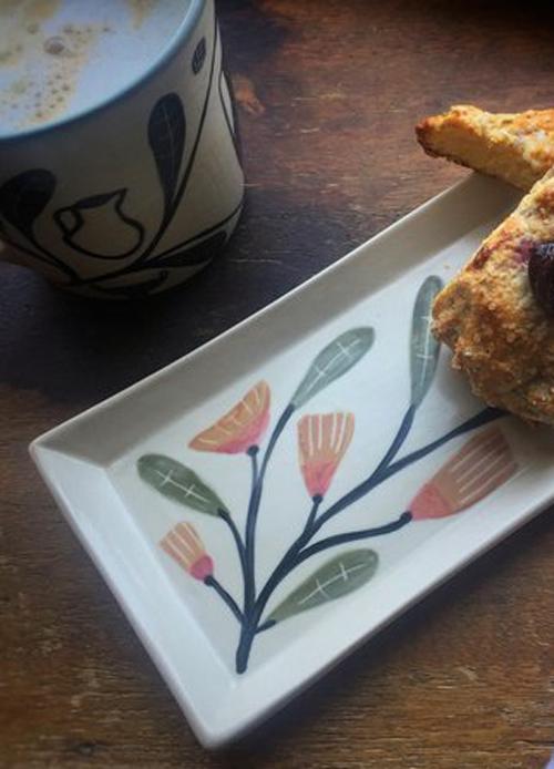 Gbarielle-Schaffner-rectangular-dish-pink-flowers-scone.jpg