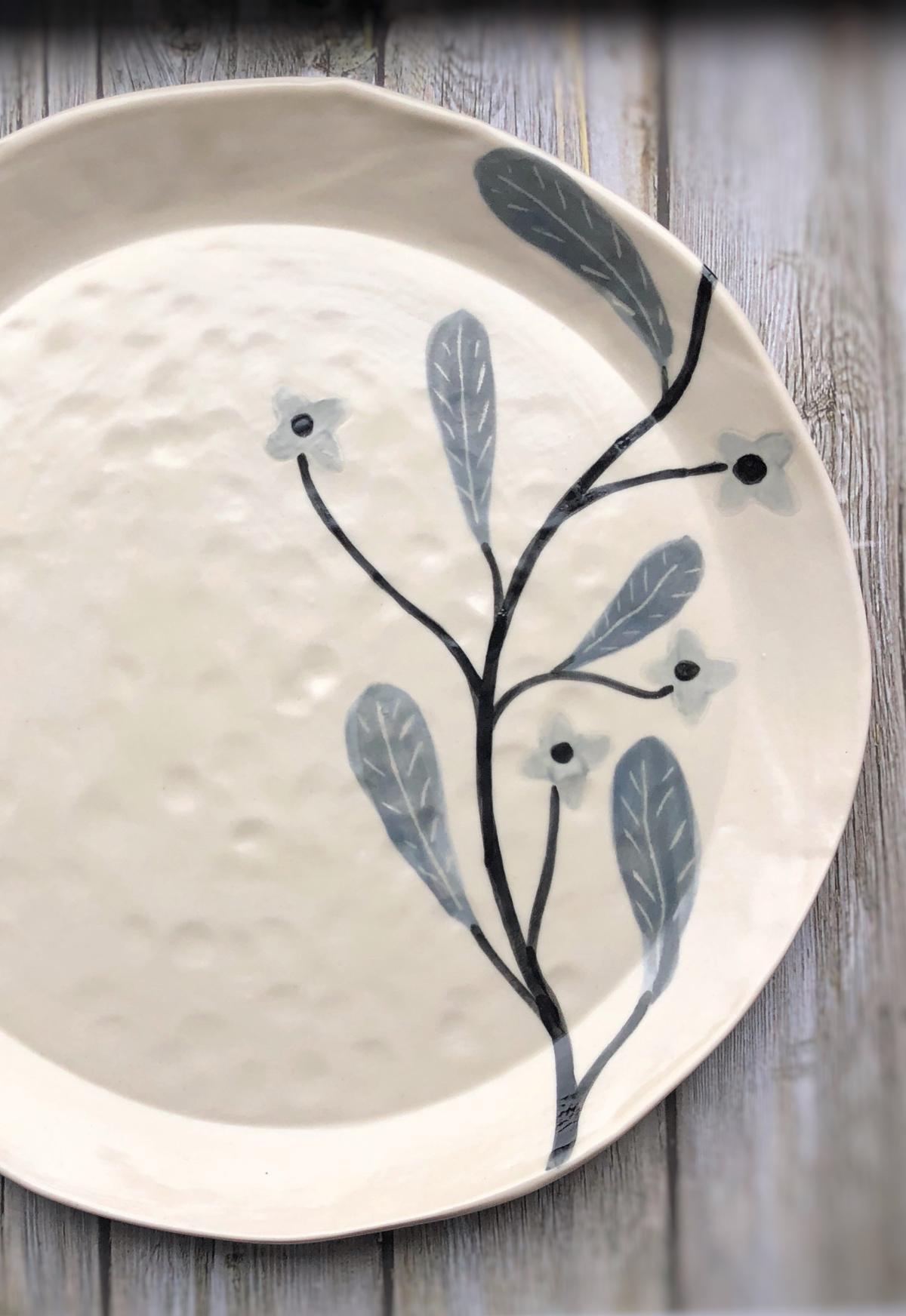 Gabrielle_schaffner-dinner-plate-grey-flowers.jpg