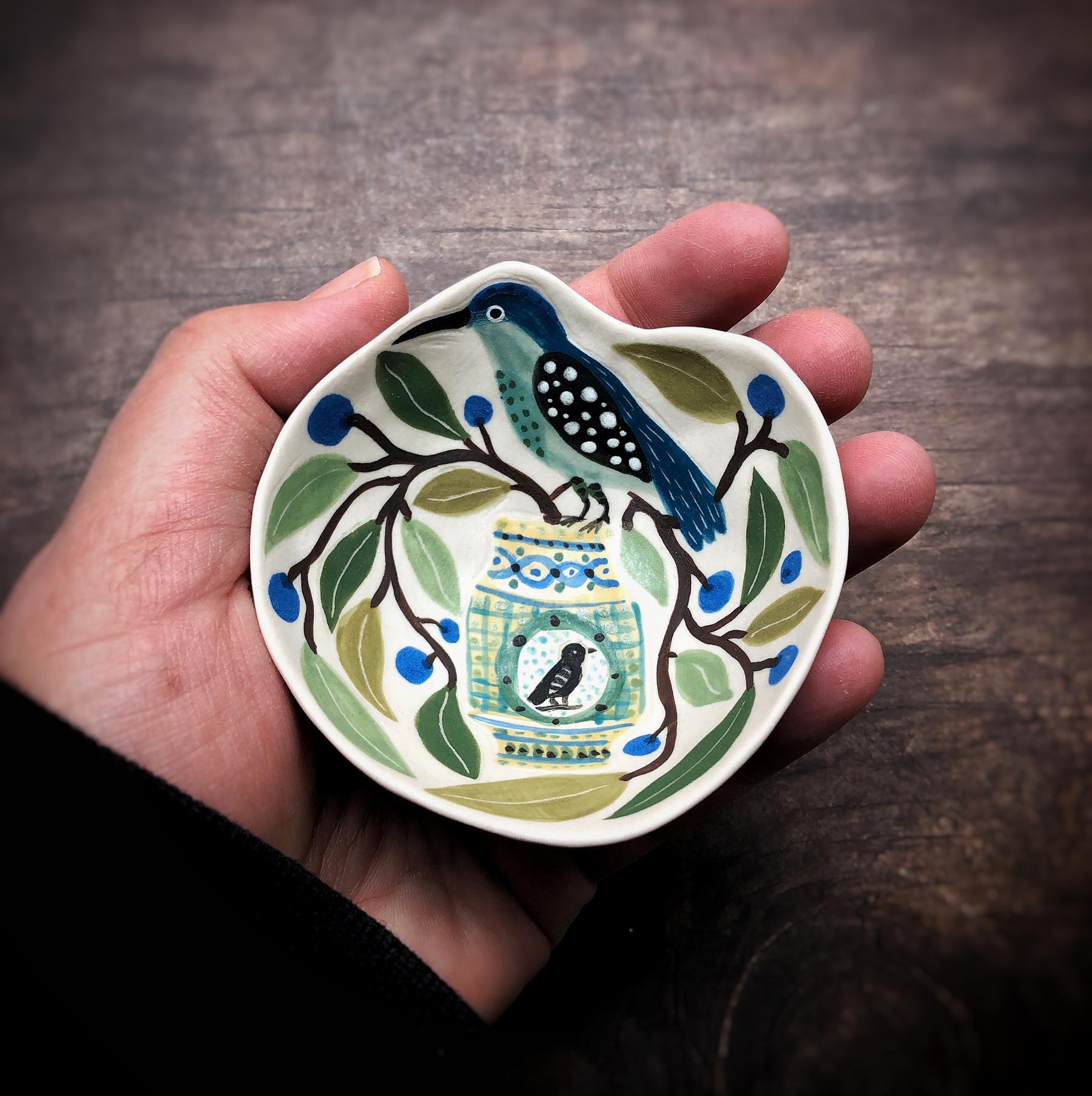6-Gabrielle_Schaffner_handmade_porcelain-pinch_pot_bird_alborello-in-hand.jpg.jpg