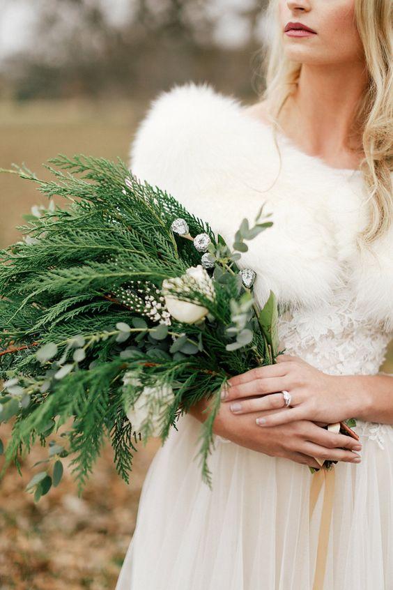 Winter Wedding Theme, Christmas Wedding Ideas, December Wedding Inspiration - Bouquet.jpg