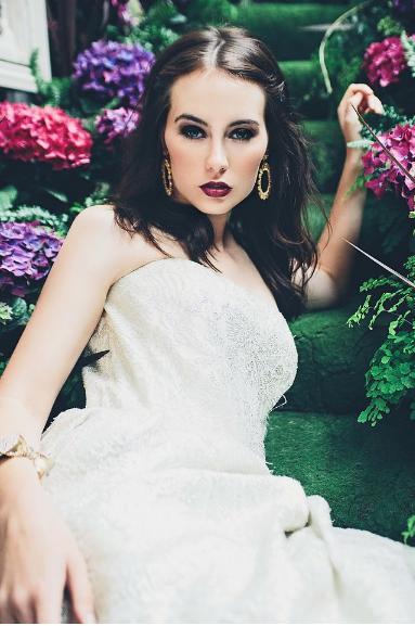 Aynhoe House Gothic Sleeping Beauty - Wedding Photoshoot 4.png