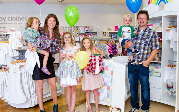 Jamie Oliver with his family Photo: Ken Lennox