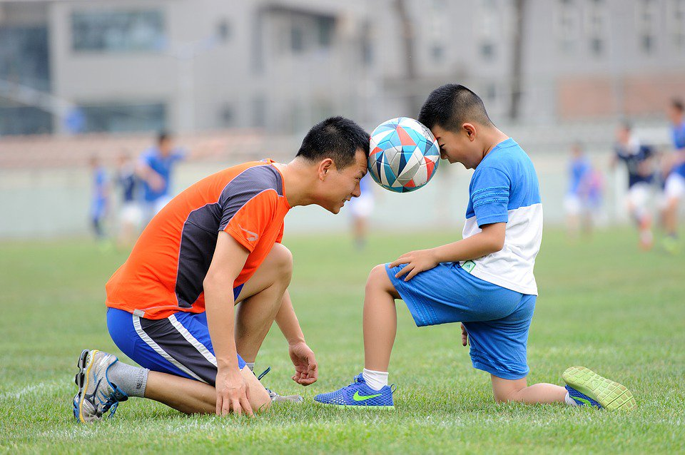 Tackling The Issue: Helping Your Kids Get Everything They Can From Sports