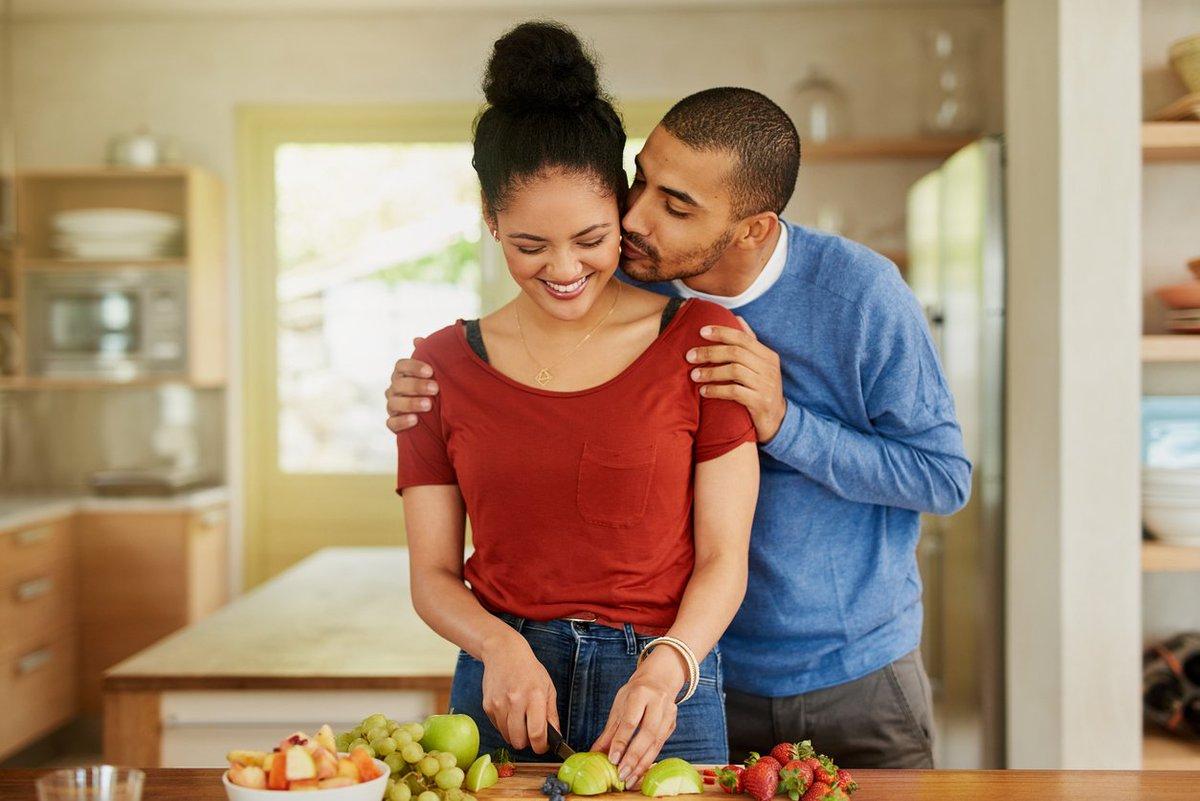 5 Romantic Ways To Save Money This Year