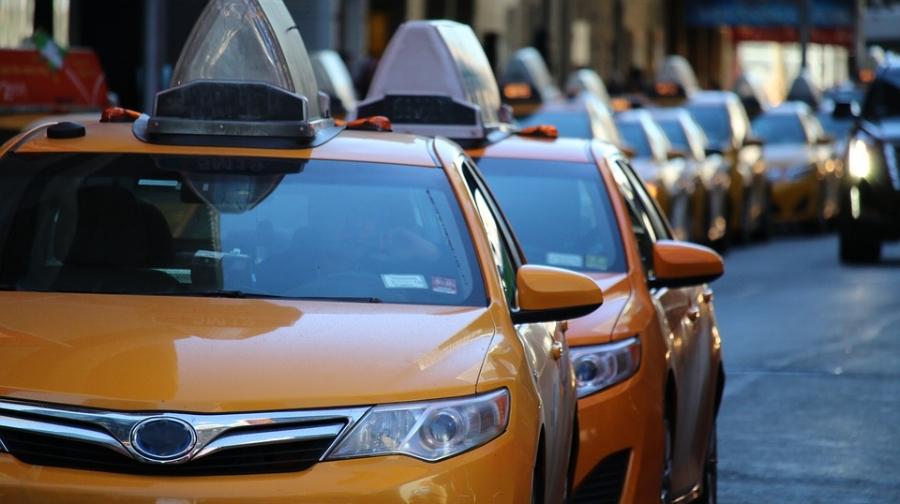 taxi-1999009_960_720.jpg