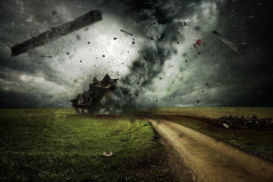 cyclone-2100663_1280.jpg