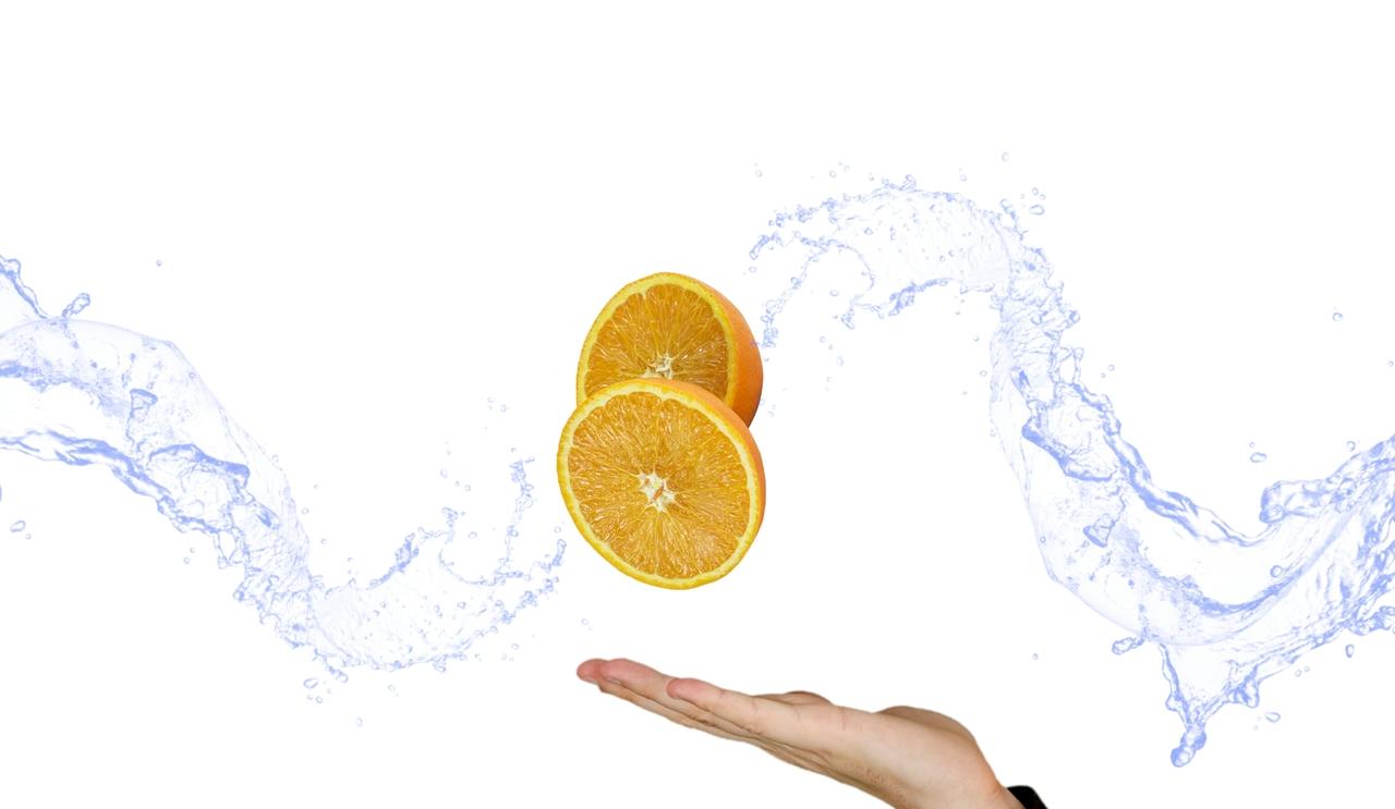 fruit-orange-citrus-vitamins-hand-the-hand-1457353-pxhere.com.jpg