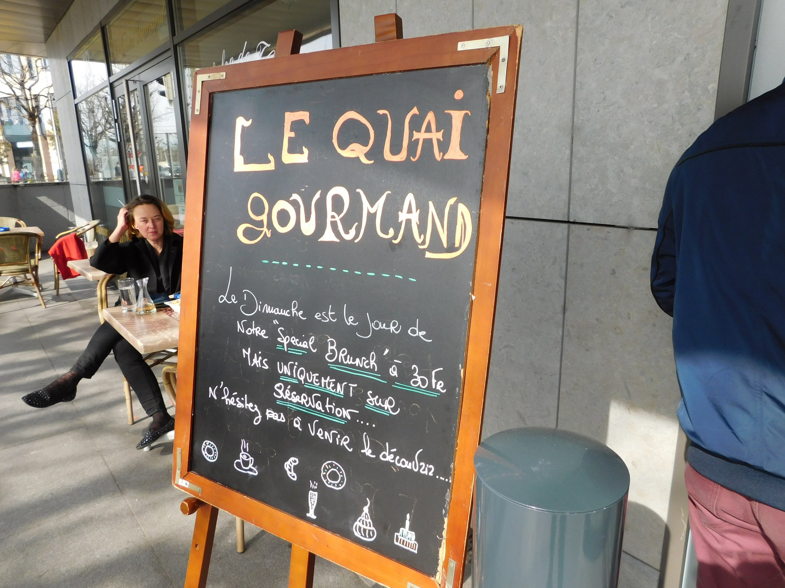 Stopping for food in Lausanne