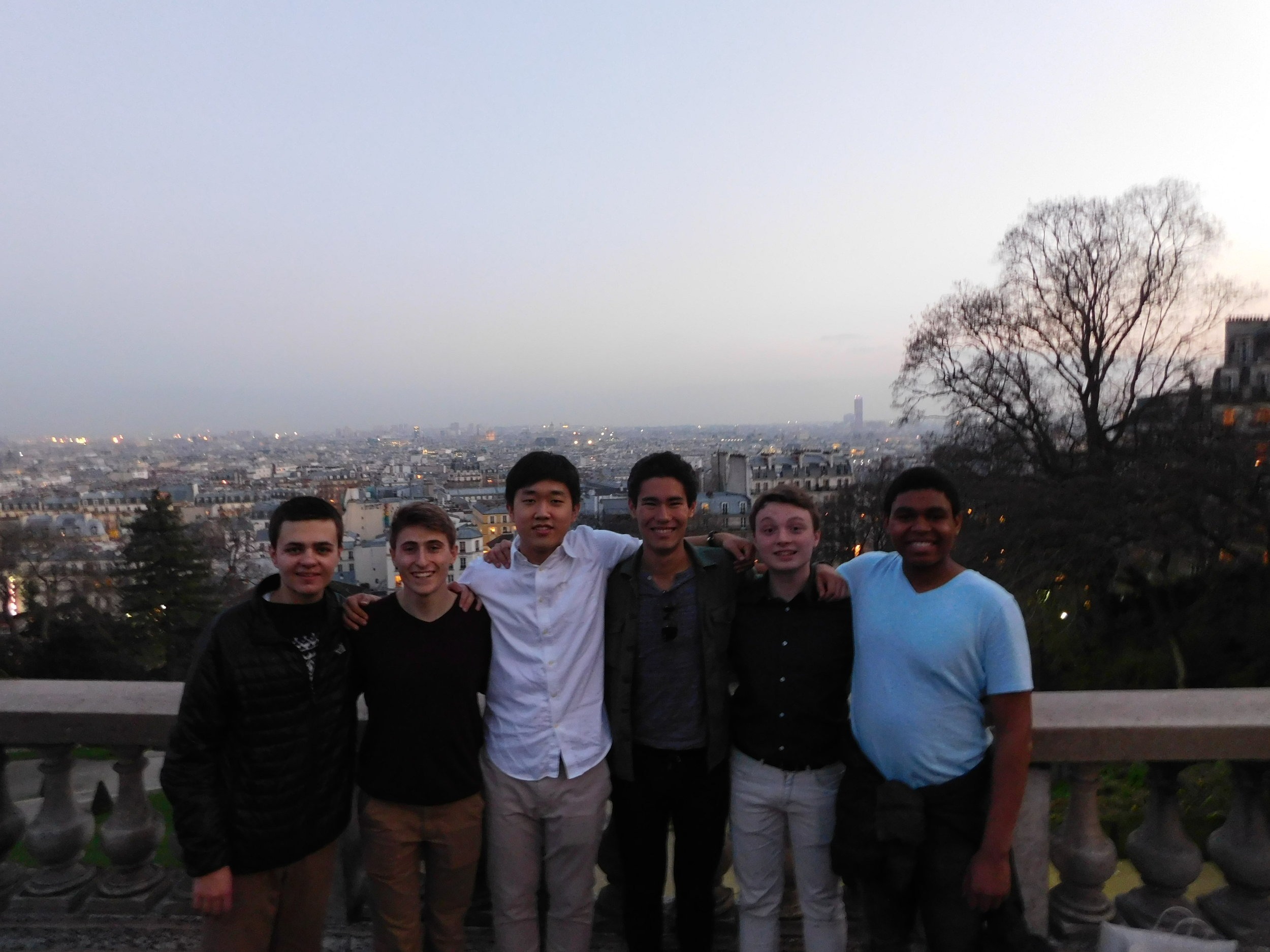 Class of 2020 in front of the Parisian Skyline