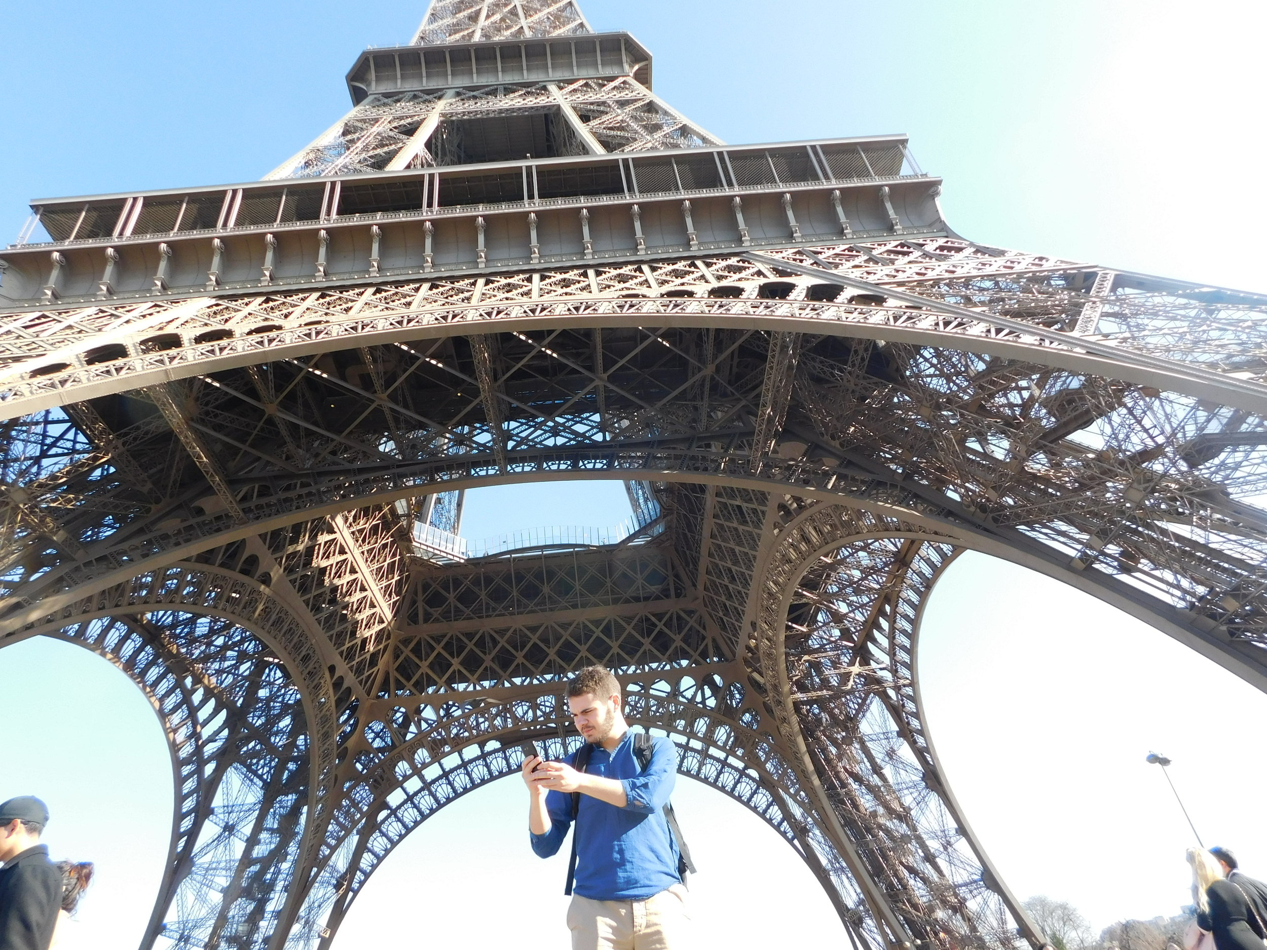 """Eli struggling to find cell service """"under the biggest cell phone tower in Paris"""""""