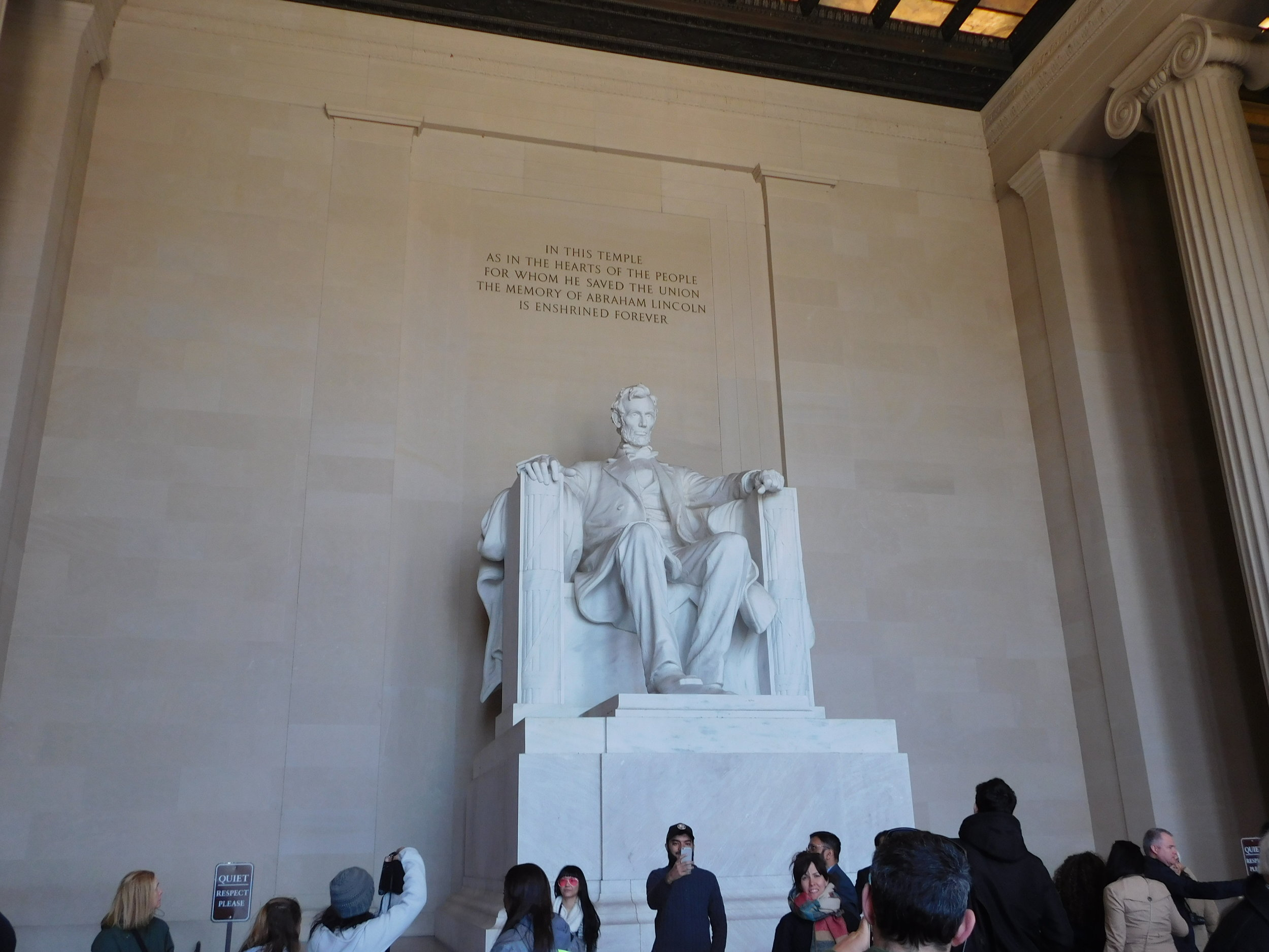 Group trip to the Lincoln memorial!