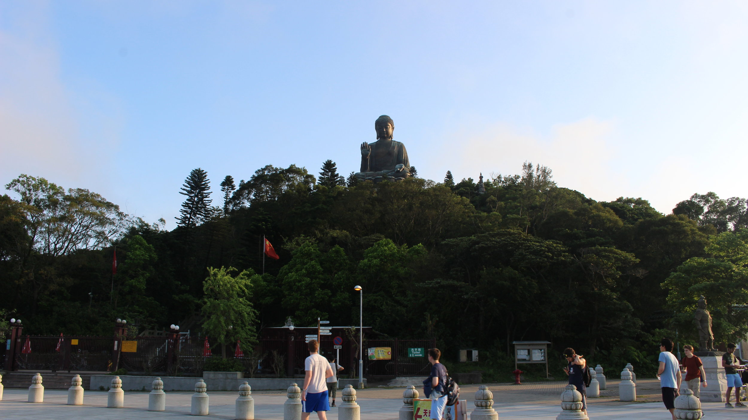 Visiting the largest Buddha statue in the world