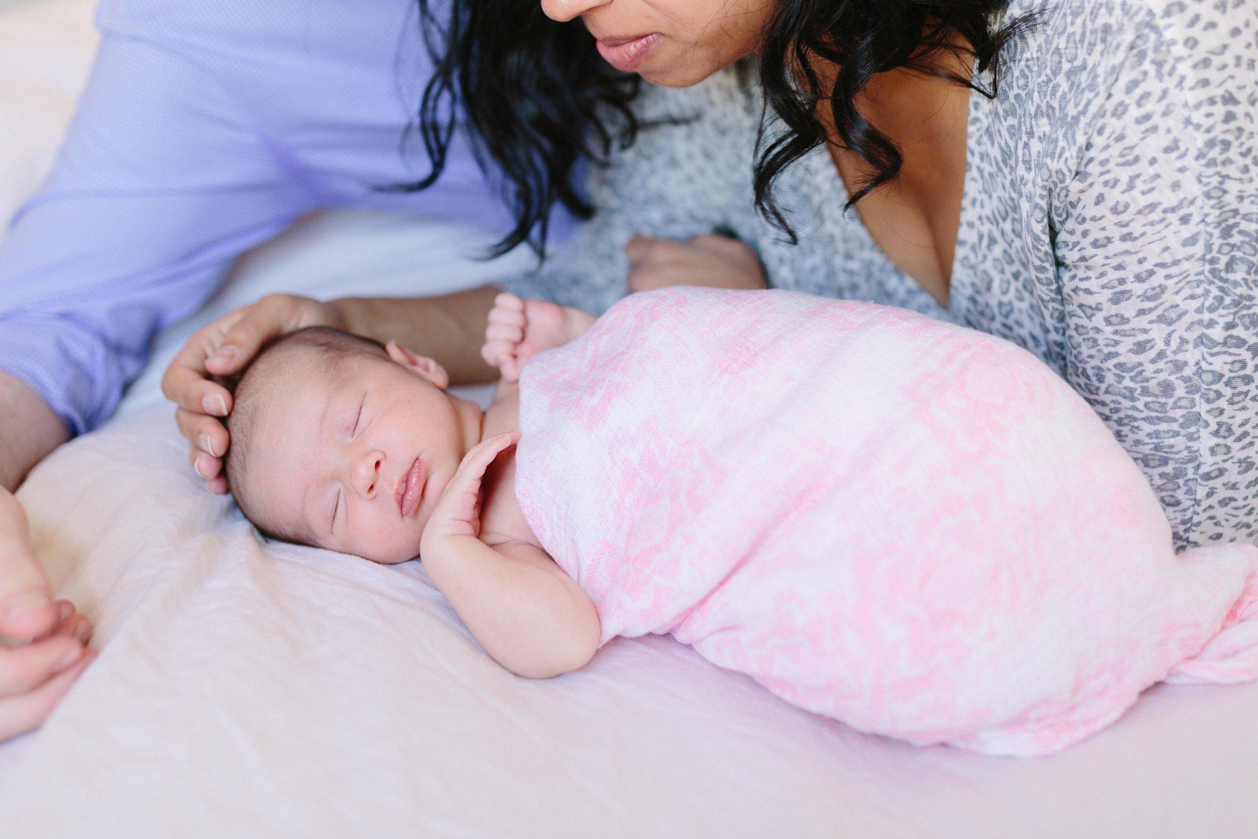Newborn.Roni.7a.jpg
