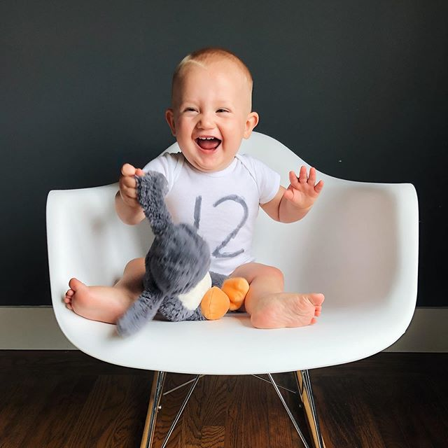 Our happy guy for his 12 month shoot! Posting a little late... he's almost 13 months now🤦‍♀️🤷‍♀️. Busy time with new preschool, birthday parties and life with 2 little kids! Love them so much 😍😍😍