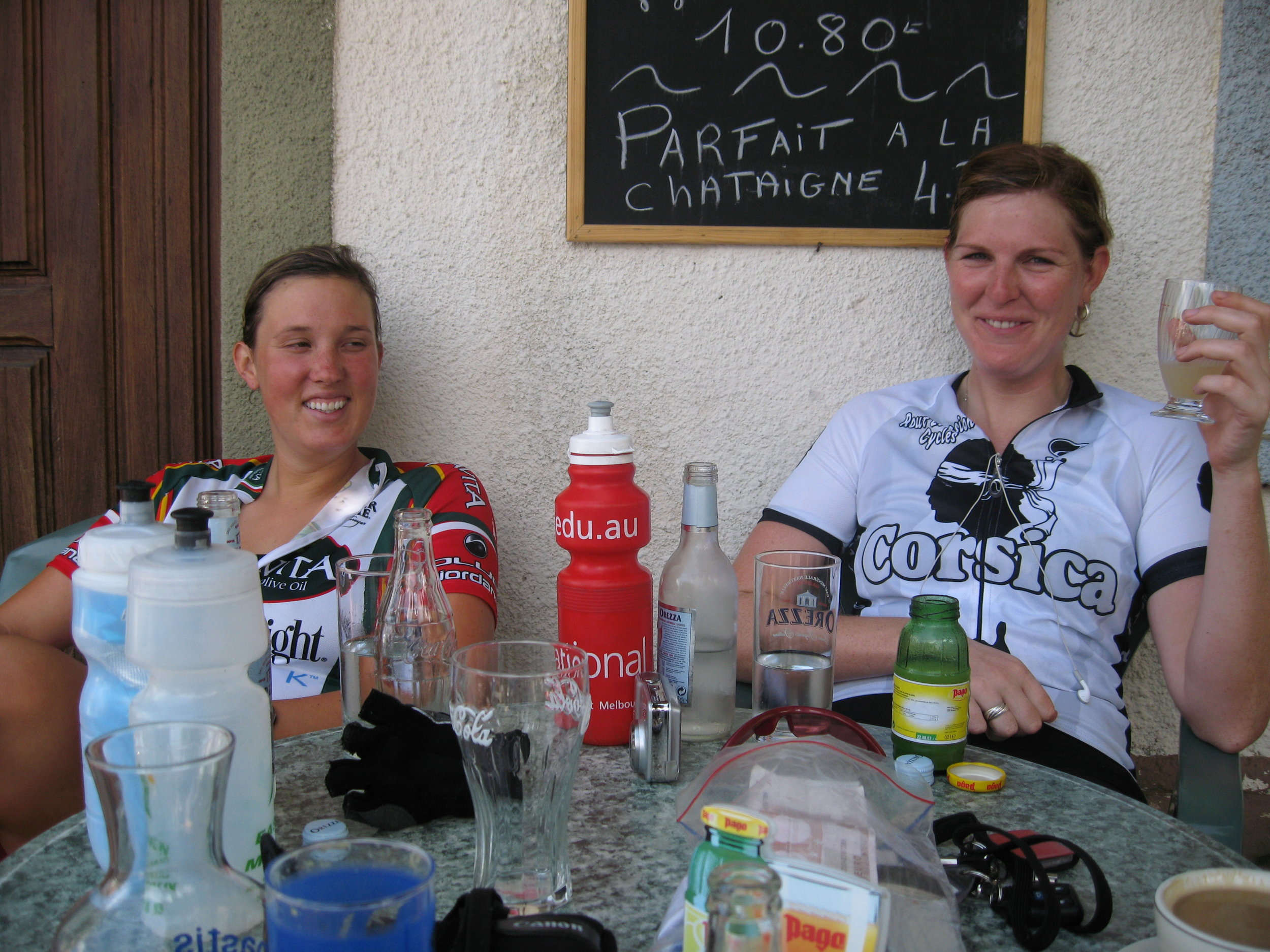Mid morning drink stop on the climb to the Col de Vergio